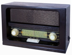 Roadstar HRA-1520 Retro rádio